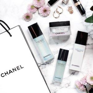 山茶花保湿微精华补货¥542黑五价:Chanel 护肤彩妆精选,收山茶花精华、眼唇卸妆液、保湿面膜
