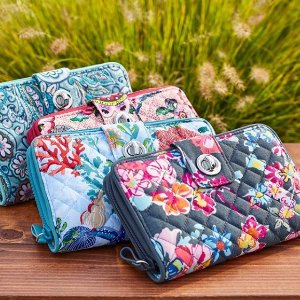 Up to 70% Off + Extra 30% OffOutlet Items @ Vera Bradley