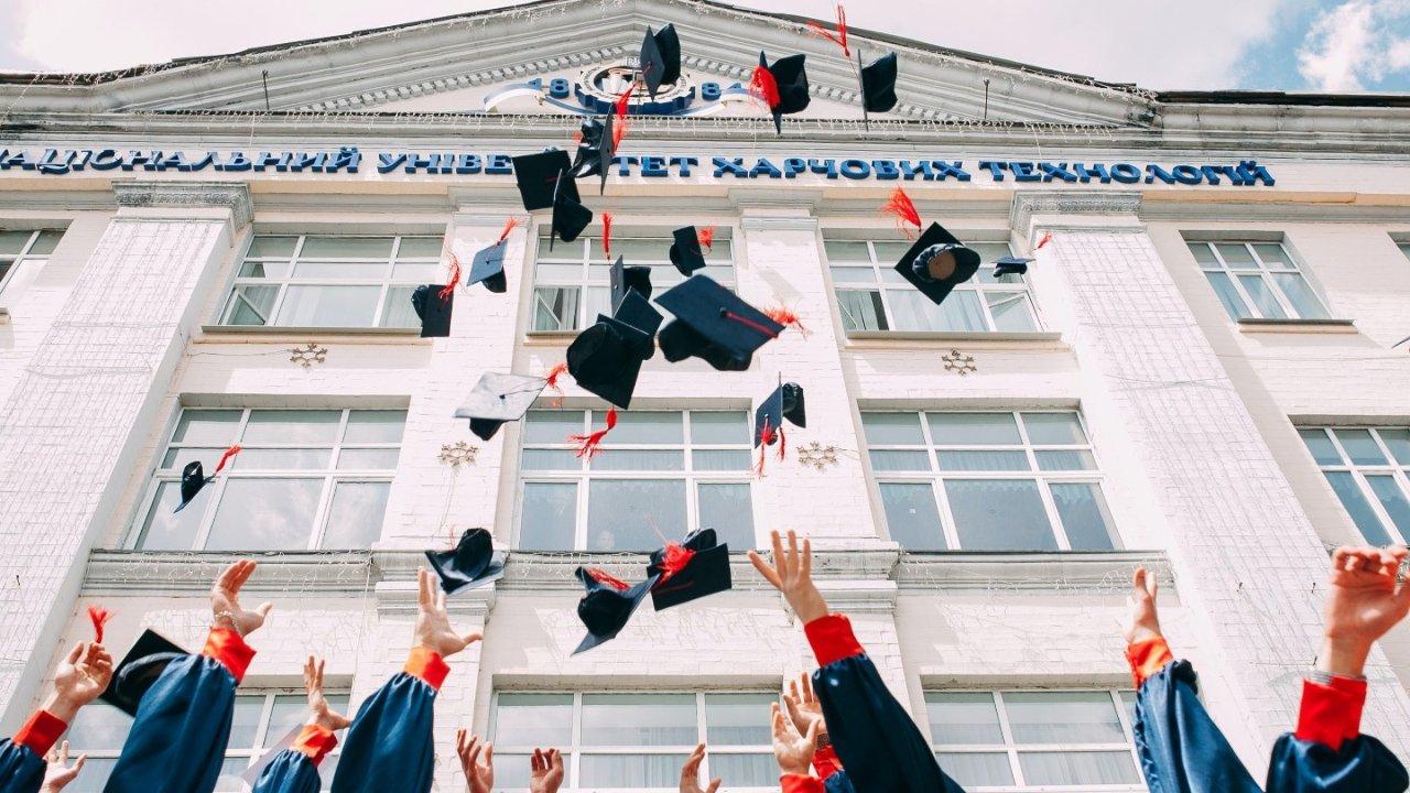 收藏贴!法国留学奖学金一览,想要申请的快来看!附减免学费学校名单