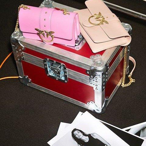 无门槛7折 $145收粉嫩链条包独家:Pinko 热门新品补货,收经典燕子包