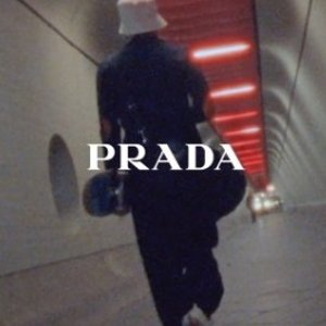 最高立减£400 变相75折 £360收渔夫鞋Prada 全线热促 这个夏天气质少女的必备