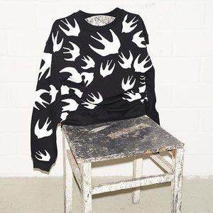 低至3折 $100+收经典T恤、卫衣折扣升级:McQ Alexander McQueen 燕子卫衣T恤清仓热卖