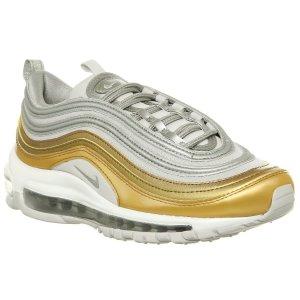 Nike老爹鞋