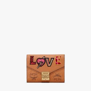 MCMPatricia Three-Fold Wallet in Love Patch Visetos