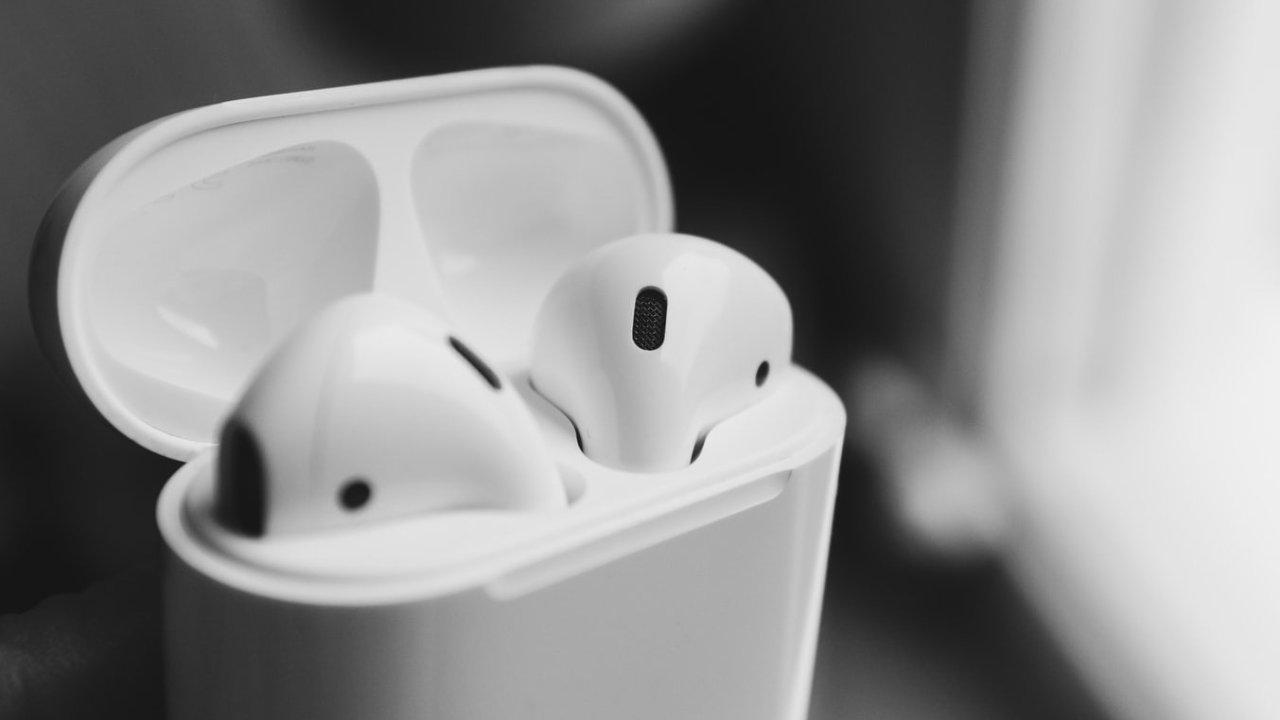 实用贴   盘点10个AirPods使用小技巧,让你的耳机好用度翻倍!