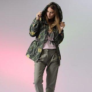 低至2折+额外7折 拼色风衣$101Farfetch 女士大衣热卖 秋冬时尚又温暖 封面款夹克$483