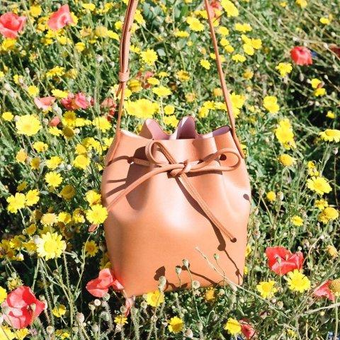 6折起 鹅黄色小水桶包€361Mansur Gavriel 美国最难买包包闪促 米兰达·可儿推荐