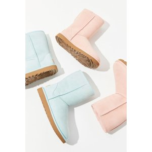 b975f8cab18 UGG @ Urban Outfitters New Items - Dealmoon
