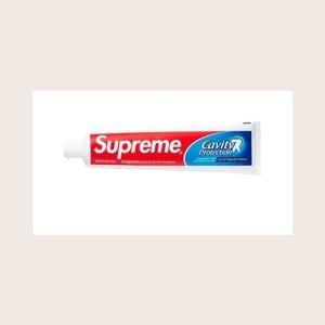 """定价$3 10月8日起限量发售Supreme X Colgate高露洁牙膏曝光 这么""""潮""""的牙膏你想要吗"""