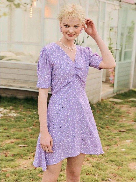 紫色碎花连衣裙
