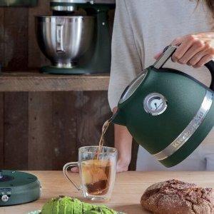 €72.99 原价€99Prime Day 狂欢价:KitchenAid 多彩珐琅电热水壶  从此烧水也是一种享受
