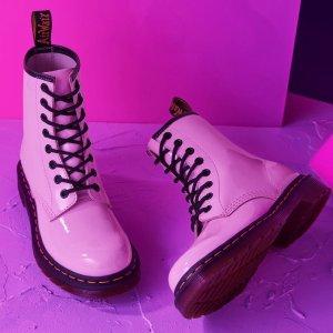 6折起 £79收樱花粉小皮鞋Dr.Martens官网 糖果色鞋靴专场大促 春夏灵动配色Y2K时尚穿搭