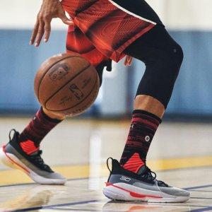 $140起+包邮 多色可选上新:Under armour 官网 史蒂芬·库里7代篮球鞋热卖