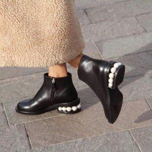 5折起 珍珠踝靴£443Nicholas Kirkwood 加入私卖 细节的设计感