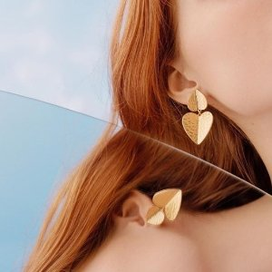 低至4折  £49收封面同款桃心上新:Kate Spade 饰品热促中 收星座项链、火烈鸟手表、水钻耳钉