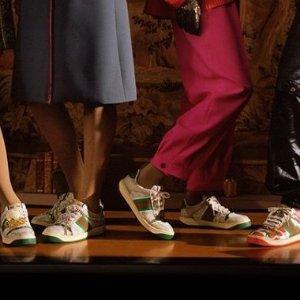 低至7折 $625收小白鞋Gucci 经典美包、鞋履、潮衣配饰热卖