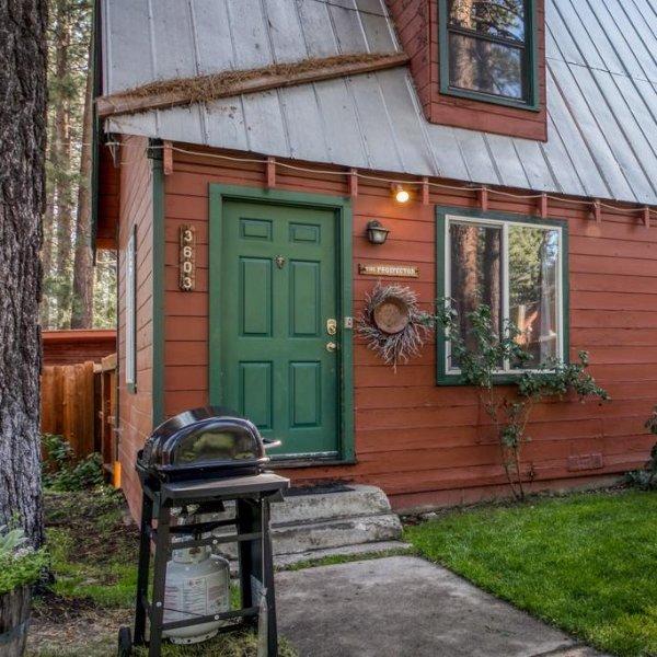Spruce Grove Prospector Cabin, 南太浩湖,一间房