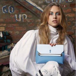 £295起 入梦幻爱丽丝蓝锁孔包Strathberry 爱丽丝漫游仙境第三弹上市 握住心中小小的钥匙