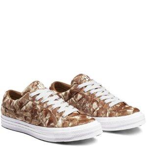 MARRKNULLConverse x GOLF le FLEUR* 焦糖色丝绒帆布鞋