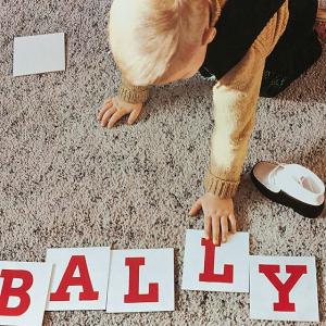 5折起+额外9折 Janelle链条包参与!最后一天:Bally官网 夏季大促即将截止 收经典小白鞋、运动鞋