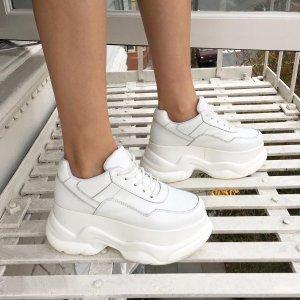 低至5折 收经典穆勒鞋、老爹鞋Jeffrey Campbell 网红美鞋闪购热卖 夏日清凉穿搭必备