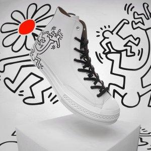 帆布鞋€50 印花T恤€30Chuck70 X Keith Haring 联名来袭 黑白炫酷涂鸦风 街头达人必入