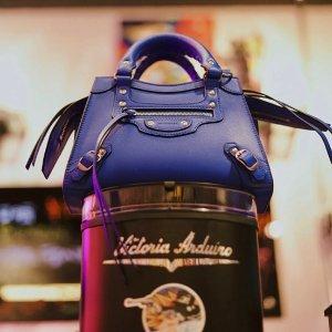 直接7折!€507收娜比同款卫衣Balenciaga 私密大促 收Neo Classic包、老爹鞋、T恤卫衣等