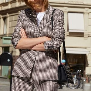 低至3折 £15收格子外套H&M 小西装外套热卖 秋天和西装外套很搭哦