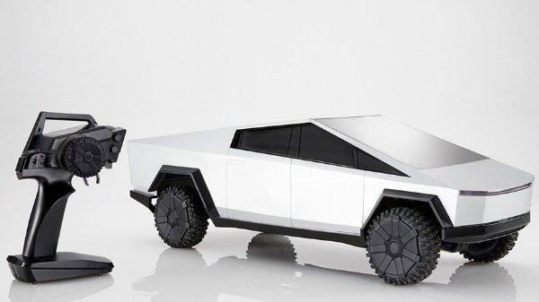 1:10 Hot Wheels Tesla Cybertruck 遥控车