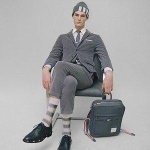 低至3折+额外85折 £351收条纹运动裤Thom Browne 折扣区强势上线 持续更新中