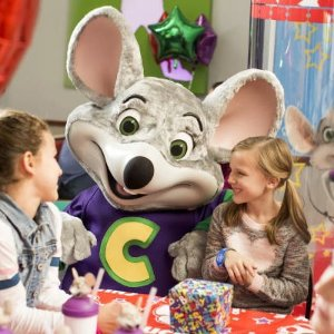 A free trial monthChuck E. Cheese New Members, Get Cinemark Movie Club