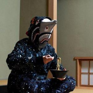低至6折 时代的眼泪BAPE & AAPE 日潮专场 鲨鱼T恤$120,粉迷彩卫衣裙$157