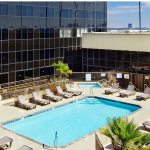 4 Star Hilton 26% OffBest hotel offers for Los Angeles @BookingBuddy