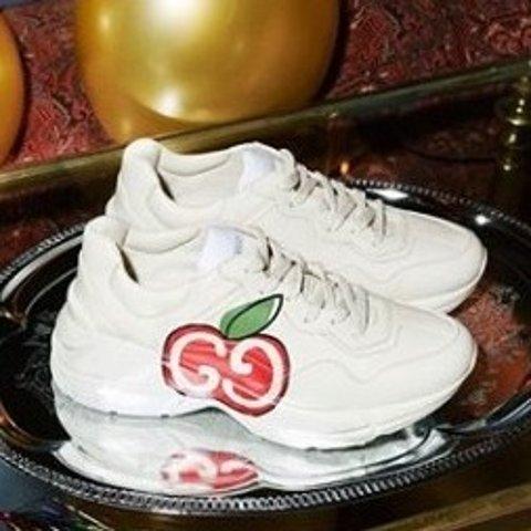 Gucci小白鞋£220 GG小脏鞋£140上新:Farfetch 童鞋专区 38码在线 收Gucci、GG小脏鞋、Burberry