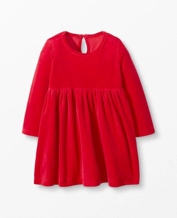 婴儿丝绒连衣裙