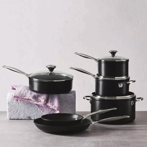 10-Piece Nonstick Cookware Set @ Le Creuset