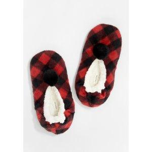 mauricesRed Buffalo Plaid Slipper Socks