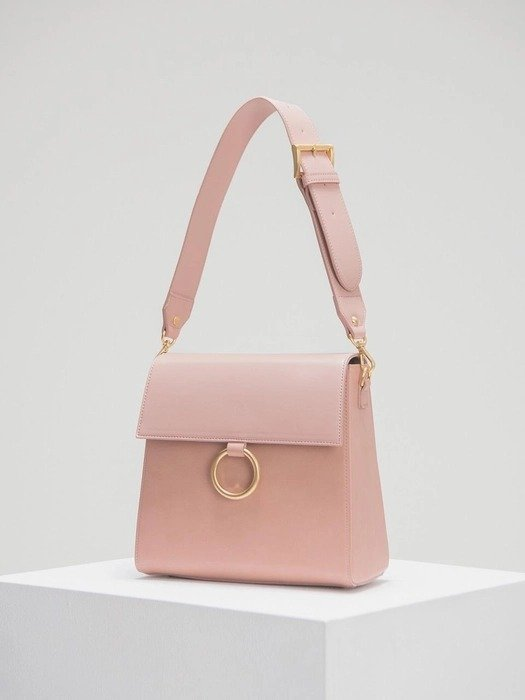 粉色单肩包