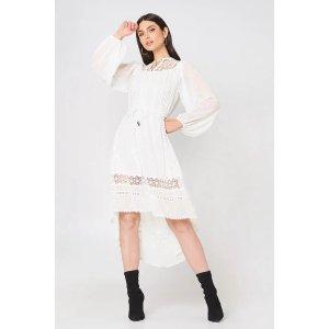 Embroidered Tie Waist Dress 连衣裙
