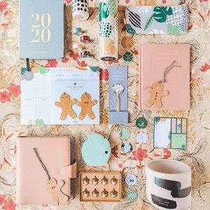 低至2.5折 £12收小礼盒kikki.K 澳洲小清新品牌大促 好价收文具、家居可爱小物
