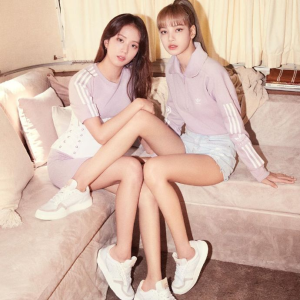 无门槛7折Adidas 女神节大促来袭 全场女士潮鞋、服饰好价收