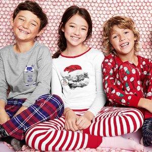 $9+包邮 原价$24-$26 0-14岁多款选OshKosh BGosh 全新儿童睡衣系列 100%棉超柔软,透气又舒适
