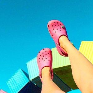 低至5折 洞洞鞋$30起Crocs官网 热门洞洞鞋限时特促 仅限20款,先到先得