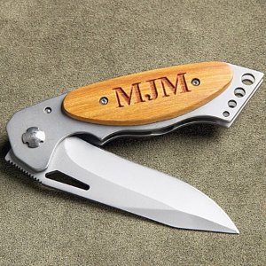 $11.98可定制字母木制手柄折叠小刀