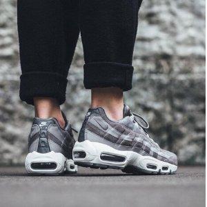 70胖收Air Max (原价£95)比黒五低:Nike 男女运动品牌鞋履大促