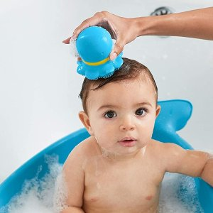 $8.99(原价$11.99)Skip Hop 婴儿蓝色章鱼二合一沐浴刷 超软硅胶按摩宝宝肌肤
