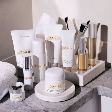 Up to $900 Gift CardLa Mer Beauty Products Sale