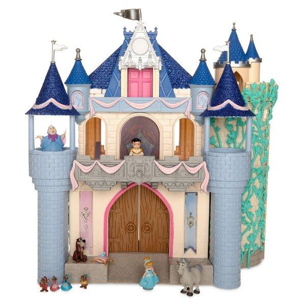 灰姑娘城堡,可亮灯,还有诸多玩偶
