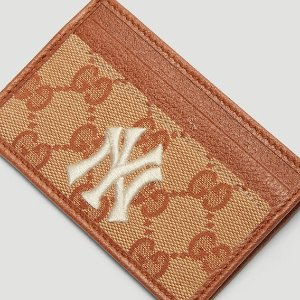 GucciNY Yankees™ GG Card Holder in Brown