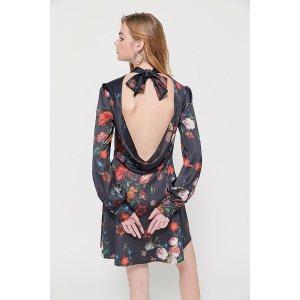 Urban Outfitters花卉露背连衣裙